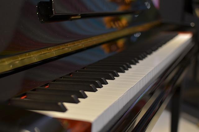 piano-990671_640